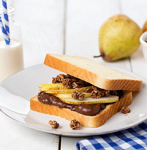 Panrico Com Côdea com creme de chocolate, pêra e granola