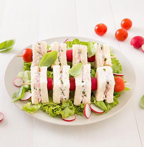 Mini-Sanduíches em espetada